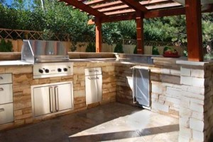 Outdoor Kitchen Stone Veneer in Oklahoma
